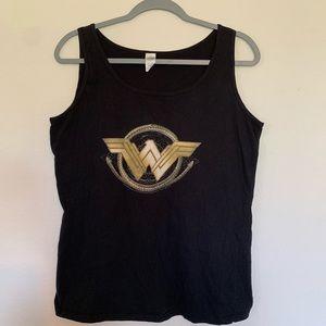 4/$25 Wonder Woman Tank Top Size XL